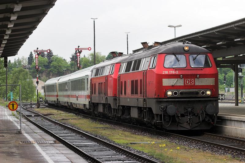 218178 and 218350, Plauen 17/5/2006<br /> IC2065 0907 Karlsruhe Hbf-Dresden Hbf