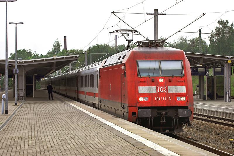 101111 Reichenbach 17/5/2006<br /> IC2065 0907 Karlsruhe Hbf-Dresden Hbf