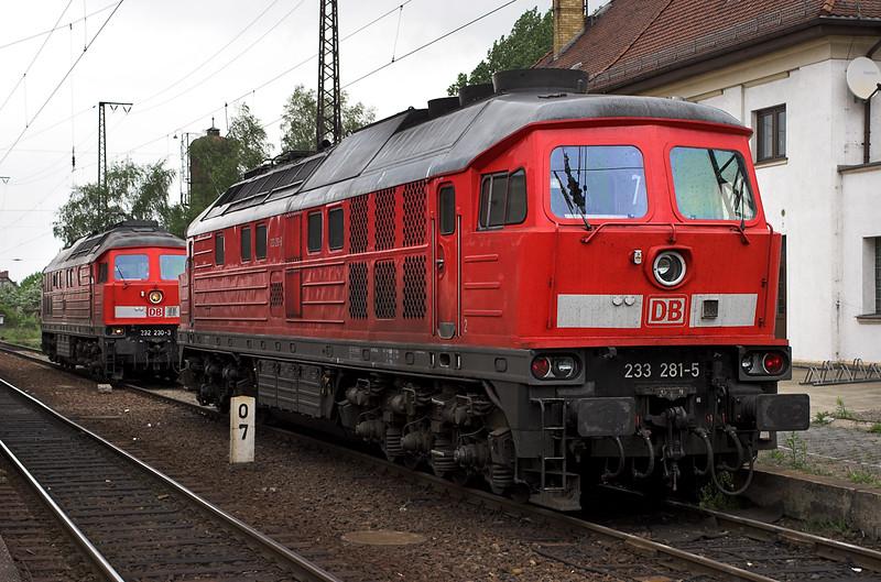 233281 and 232230, Großkorbetha 18/5/2006
