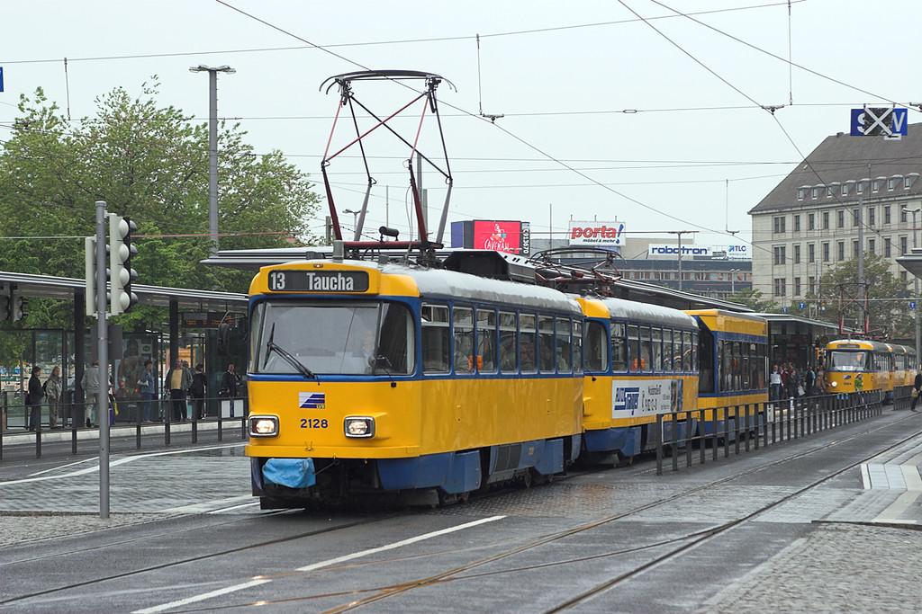2128, 2073 and 925, Leipzig Hbf 18/5/2006
