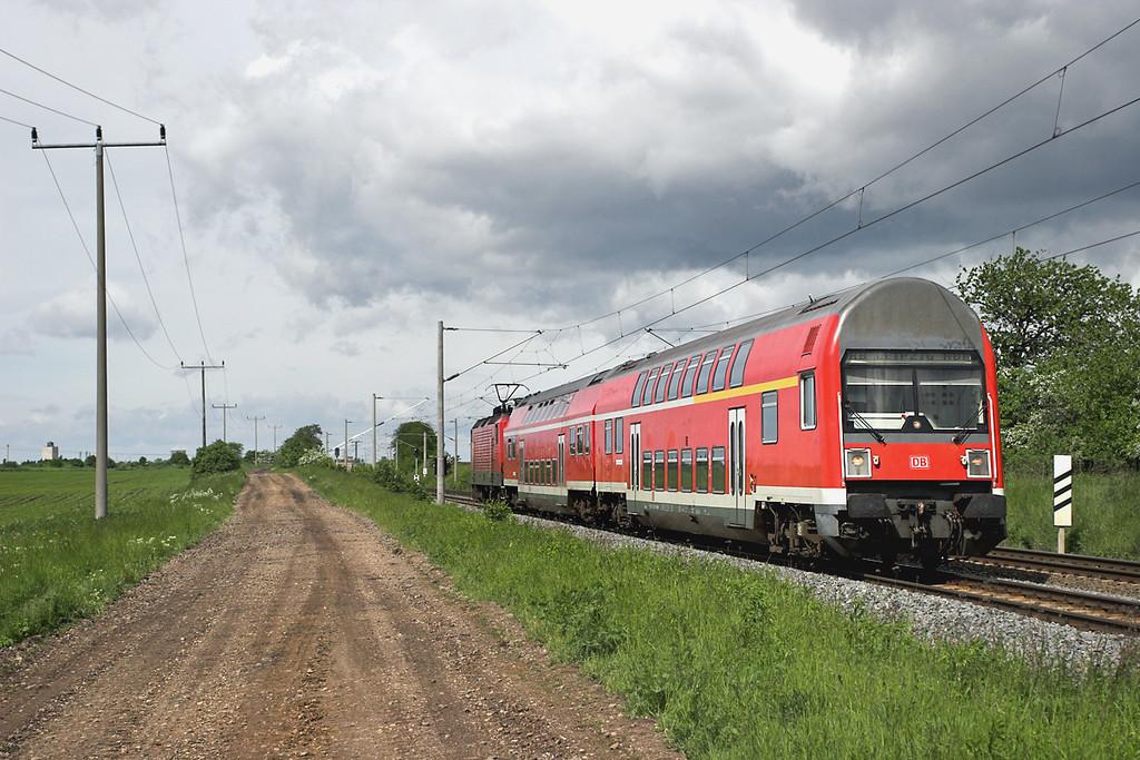 143079 (on rear), Kötzschau 19/5/2006<br /> RB27712 1025 Weißenfels-Leipzig Hbf