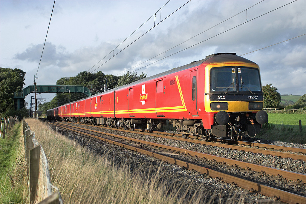 325007 and 325005, Brock 19/9/2006<br /> 1M44 1531 Shieldmuir-Warrington RMT