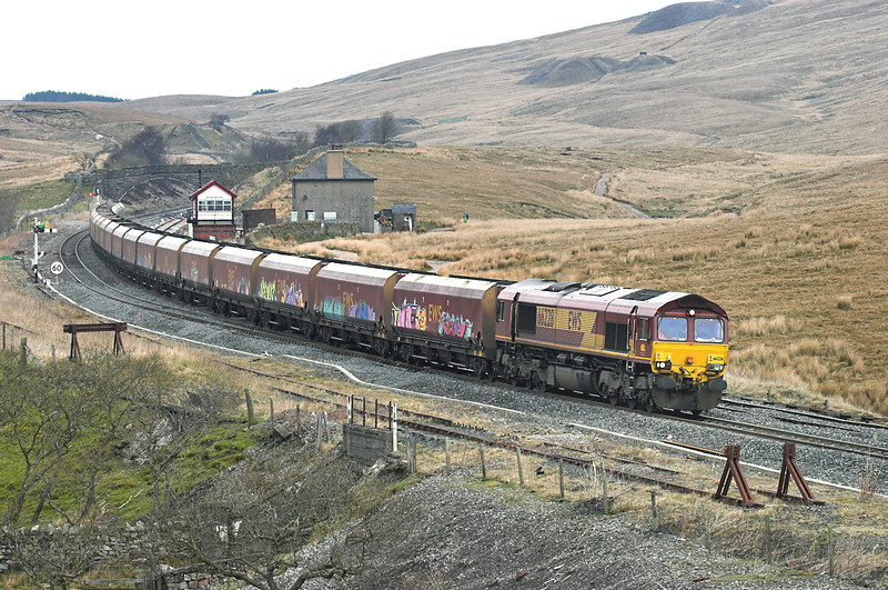 66228 Blea Moor 20/4/2006<br /> 6E85 0500 Hunterston-Eggborough PS