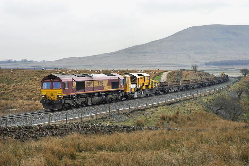 66045 Blea Moor 20/4/2006<br /> 6L93 1310 Hellifield-Carlisle Yard