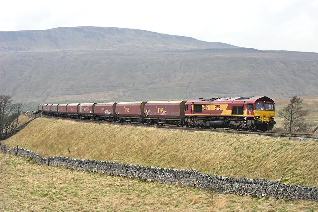 66051 Ribblehead 20/4/2006<br /> 6E87 1025 New Cumnock-Ratcliffe PS