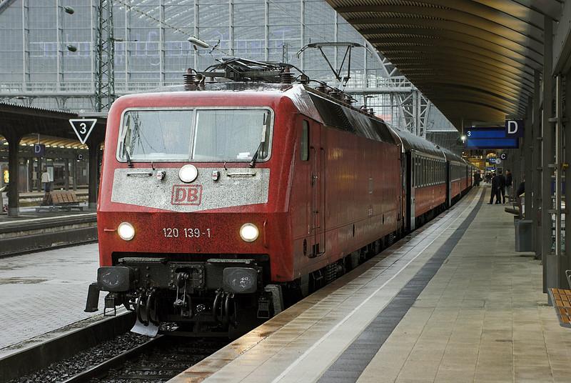 120139 Frankfurt (Main) Hbf 20/5/2006<br /> EN749 1740 Frankfurt(Main) Hbf-Moskva Belorusskaya