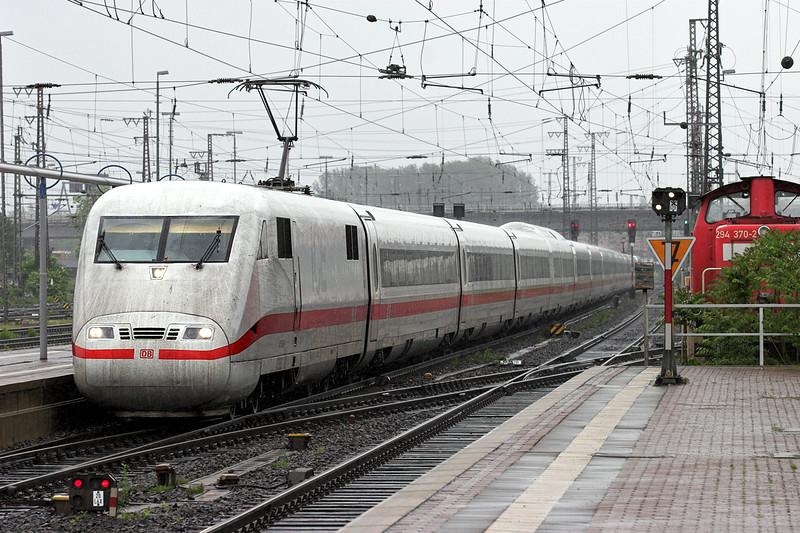 401069 Hanau Hbf 20/5/2006<br /> ICE577 1109 Hamburg Altona-Stuttgart Hbf