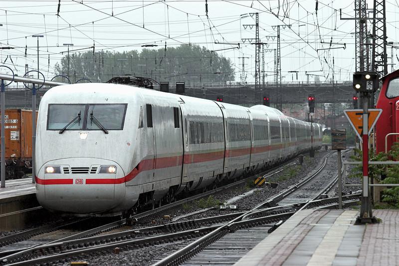 401086 Hanau Hbf 20/5/2006<br /> ICE1502 0804 Berlin Lichtenberg-Frankfurt(Main) Hbf