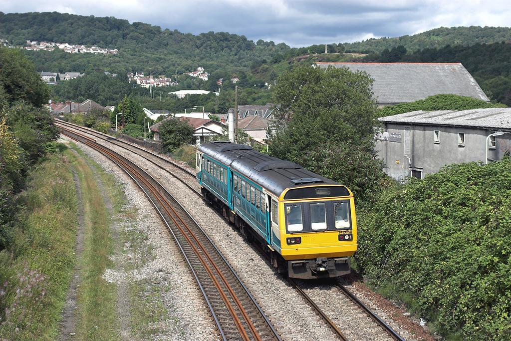 142080 Trefforest 21/8/2006<br /> 2Y45 1239 Pontypridd-Barry Island