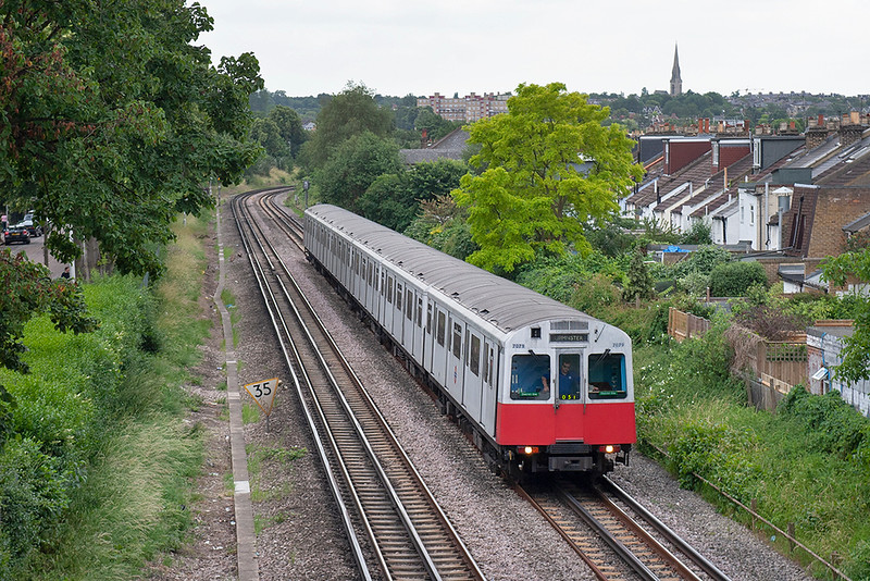 District Line 7079, Kew Gardens 22/6/2006