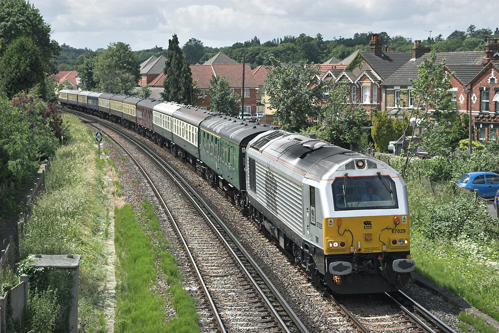 67029 Egham 22/6/2006<br /> 5Z21 1204 Ascot-Old Oak Common
