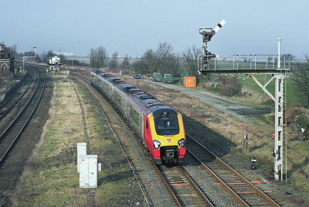 221129 Holywell Junction 24/1/2006<br /> 1A46 0950 Holyhead-London Euston