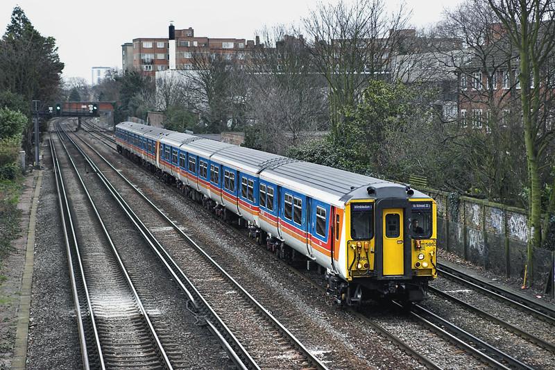 5863 and 5919, Barnes 24/3/2006<br /> 2O37 1403 London Waterloo-London Waterloo <br /> (via Richmond and Twickenham)