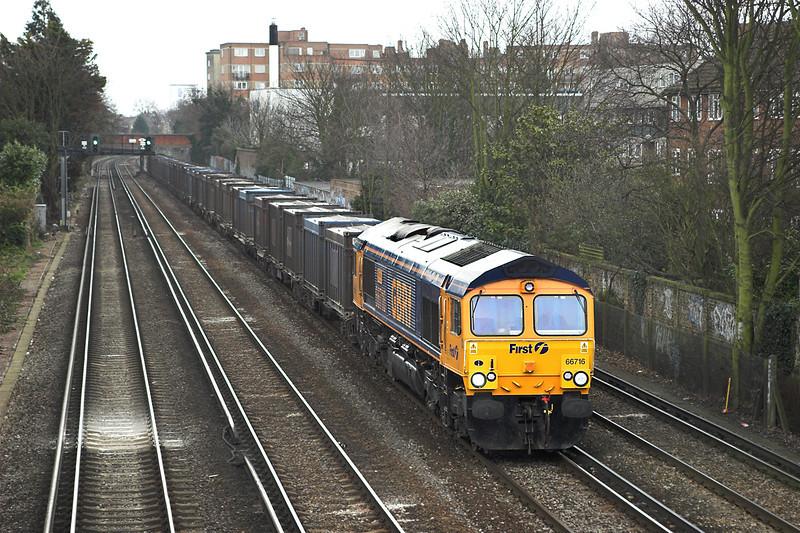 66716 Barnes 24/3/2006<br /> 4Y19 1201 Mountfield-Southampton West Docks