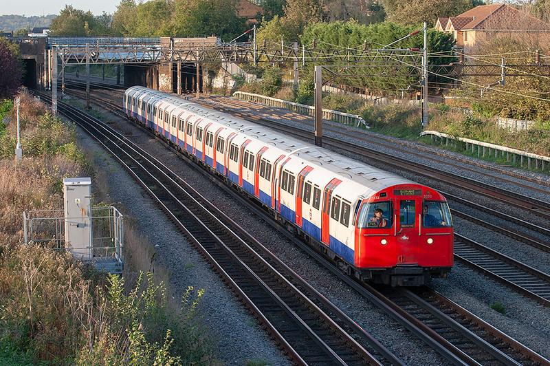 Bakerloo Line 3232, Kenton 24/10/2006