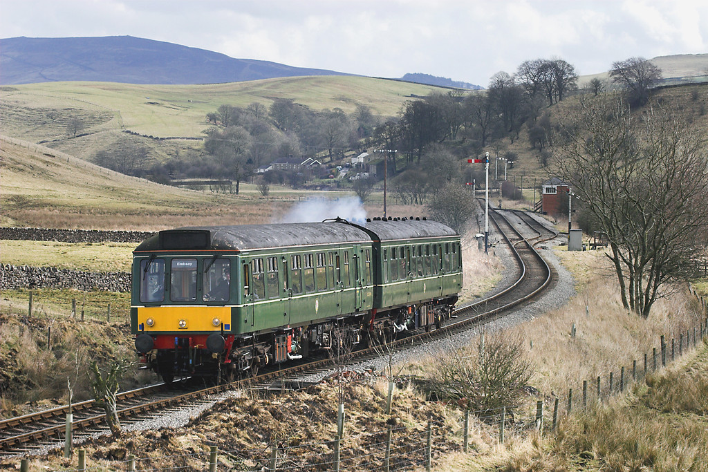 52005 and 52031, Holywell 25/3/2006<br /> 1130 Bolton Abbey-Embsay