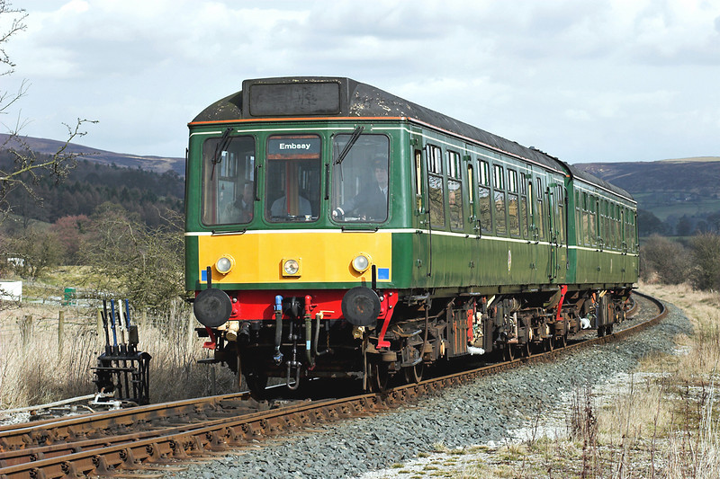52005 and 52031, Draughton 25/3/2006<br /> <br /> 1330 Bolton Abbey-Embsay