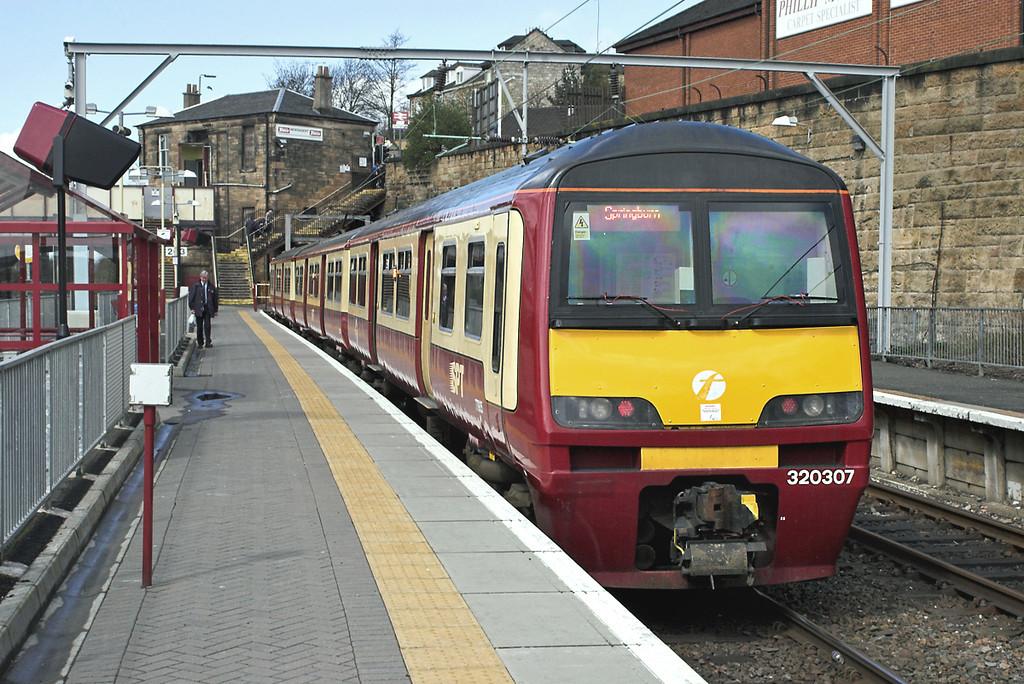 320307 Springburn 26/4/2006<br /> 2V33 1219 Springburn-Dalmuir