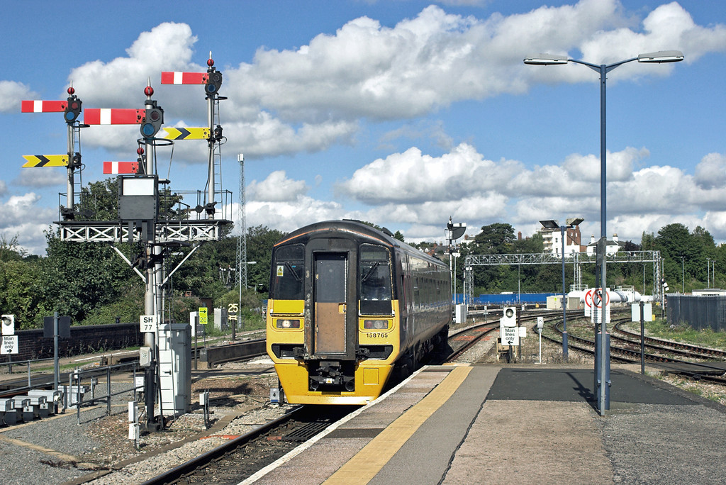 158765 Worcester Shrub Hill 26/9/2006<br /> 2B17 1142 Great Malvern-Worcester Shrub Hill