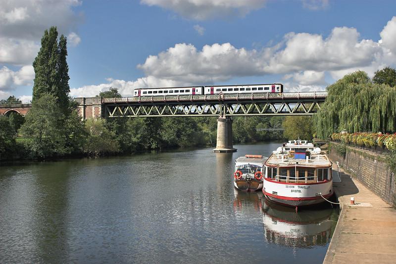 158746 Worcester 26/9/2006<br /> 2G14 1108 Weston super Mare-Great Malvern
