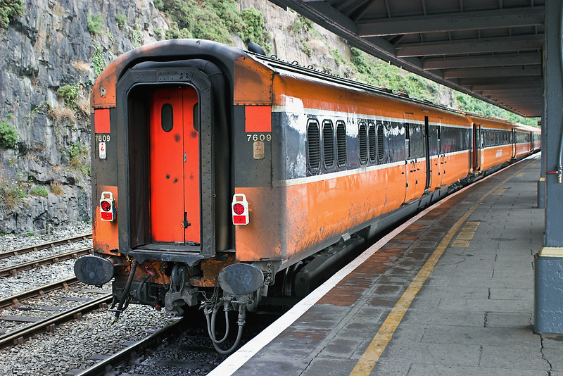 7609 (Mk3 Generator Coach), Waterford 28/7/2006<br /> 1450 Waterford-Dublin Heuston