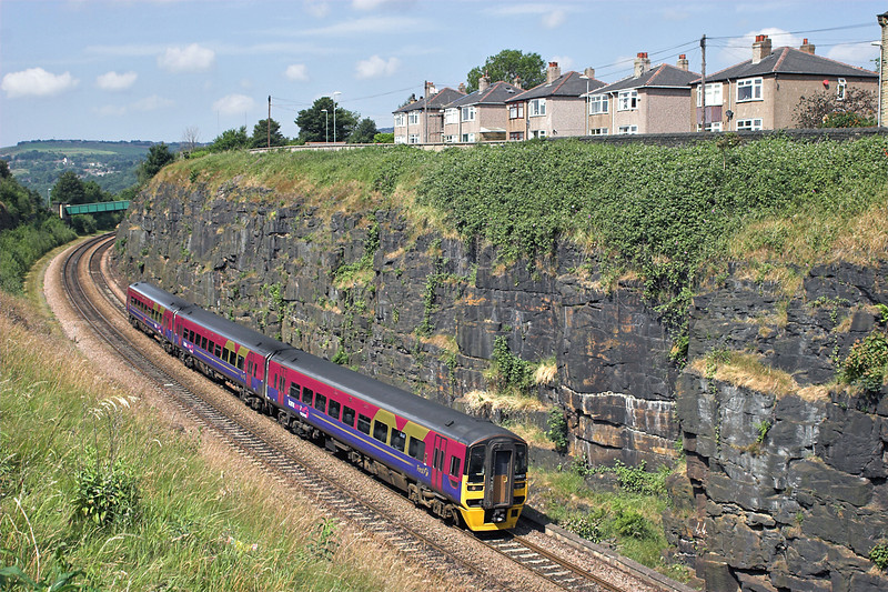 158807 Paddock 29/6/2006<br /> 1E69 0922 Liverpool Lime Street-Scarborough