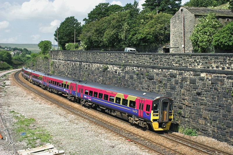 158803 and 158762, Marsden 29/6/2006<br /> 1E72 1022 Liverpool Lime Street-Scarborough
