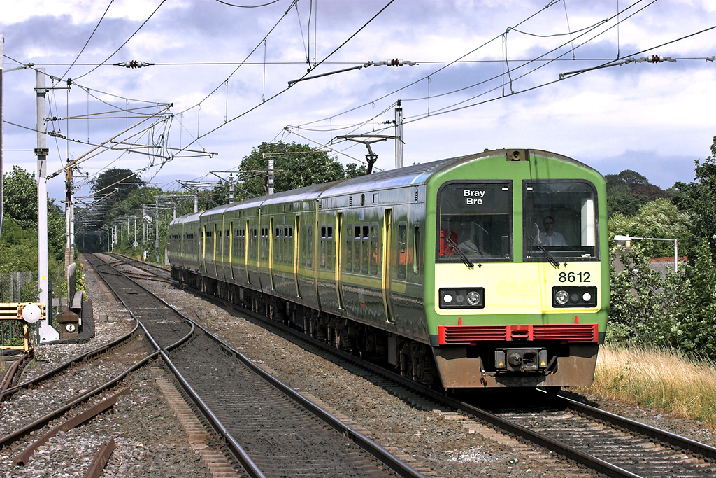 8612 and 8203, Clontarf Road 29/7/2006<br /> 1539 Howth-Bray
