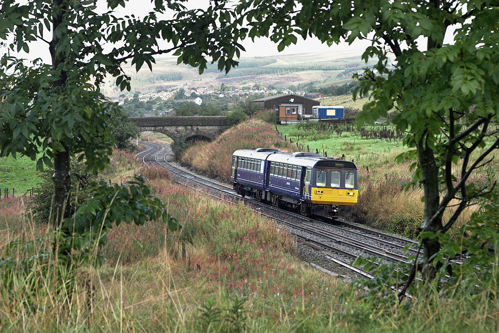 142062 Sholver 29/8/2006<br /> 2J99 1102 Rochdale-Manchester Victoria