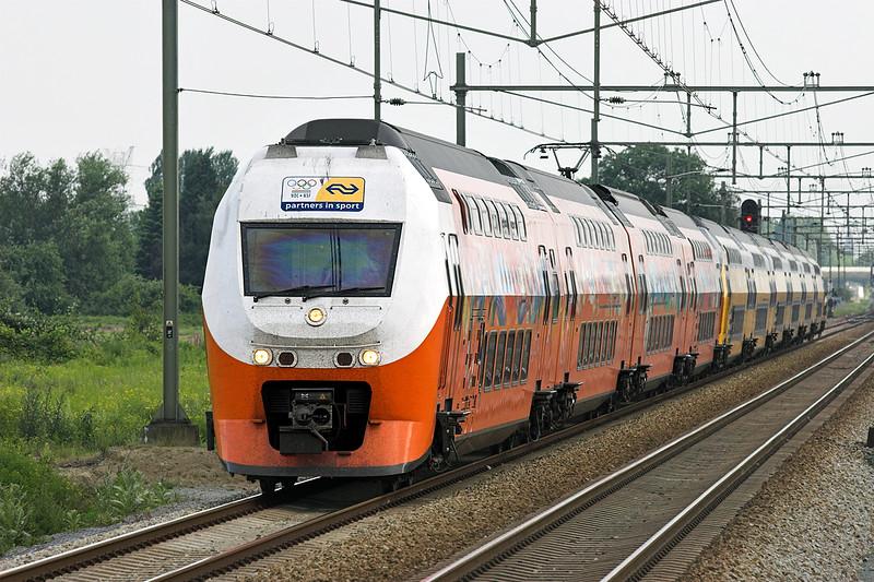 9575 and 8205, Elst 4/6/2007<br /> 3064 1809 Nijmegen-Den Helder