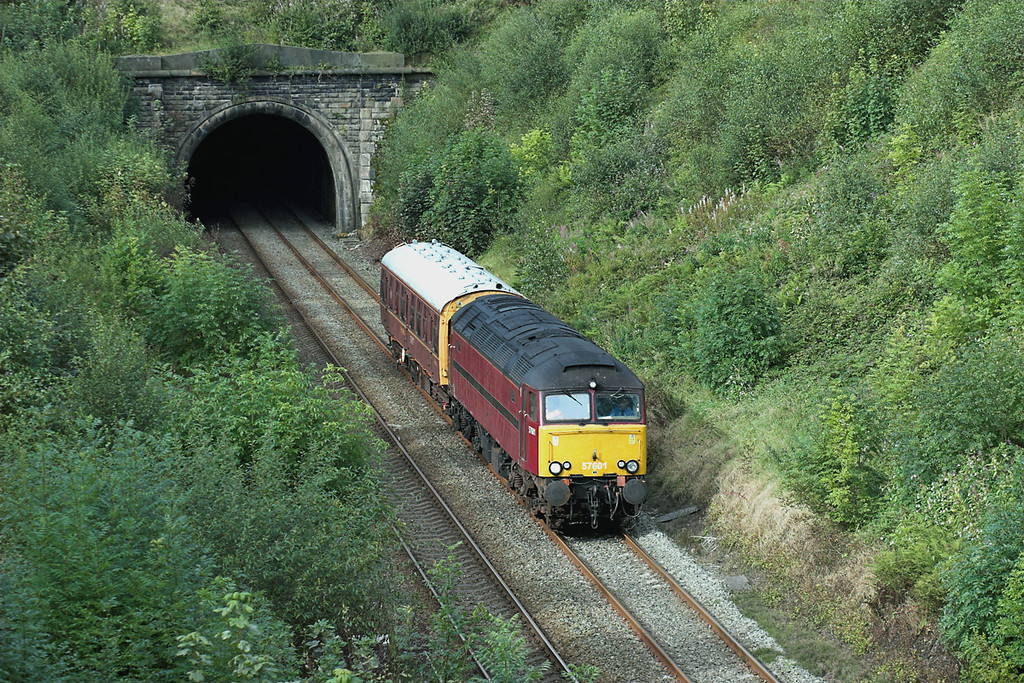 57601 Wilpshire Tunnel 4/9/2007<br /> 2Z08 0748 Preston-Buxton<br /> (via Barrow in Furness, Carlisle, Blackburn, Manchester Victoria)