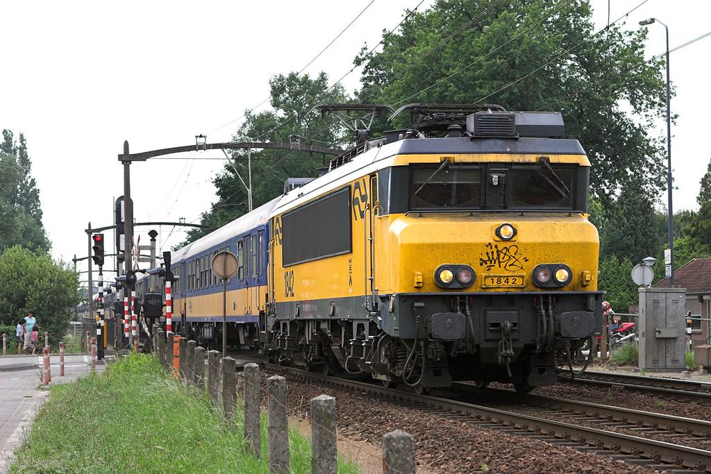 1842 Helmond 't Hout 5/6/2007<br /> 1951 1351 Den Haag Centraal-Venlo