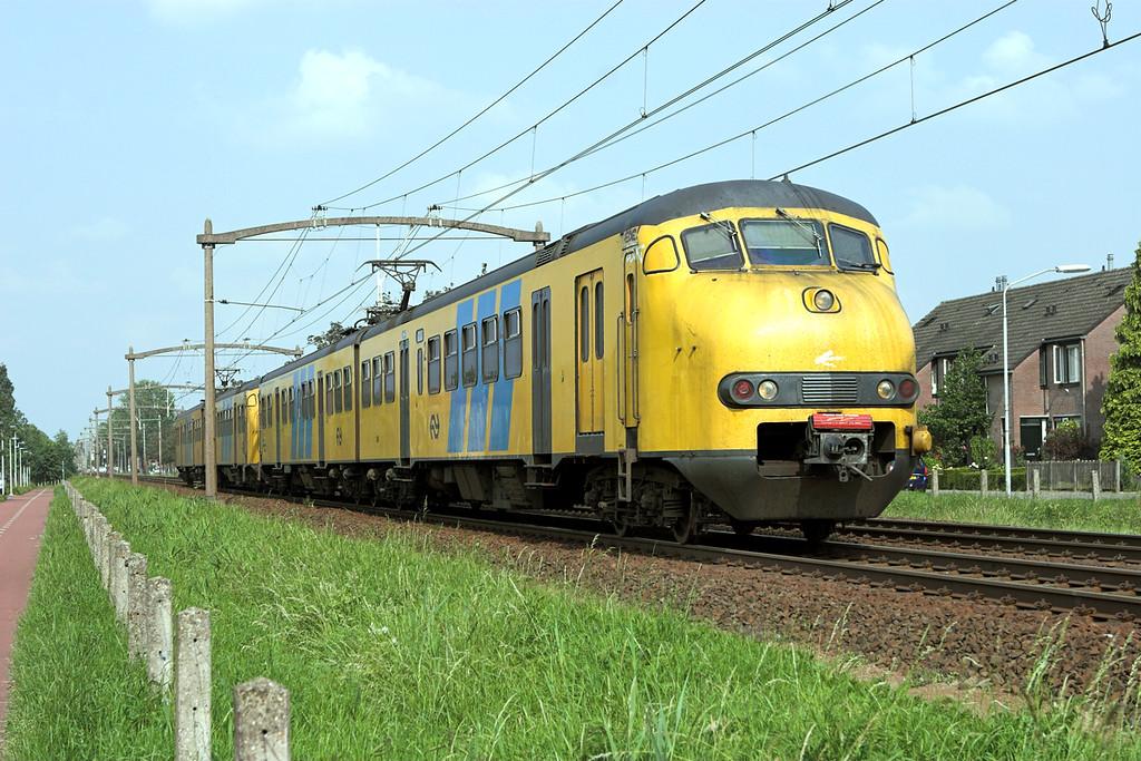 886 and 859, Helmond 't Hout 5/6/2007<br /> 5262 1653 Deurne-Tilburg West