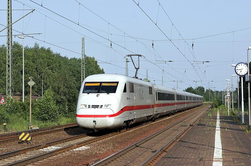 402006 Winsen (Luhe) 6/6/2007<br /> ICE586 1253 München Hbf-Hamburg Altona