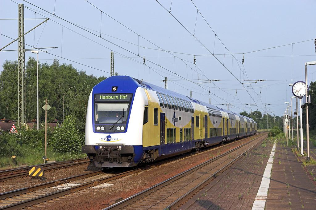 146509 (On rear), Winsen (Luhe) 6/6/2007<br /> ME80962 1900 Uelzen-Hamburg Hbf