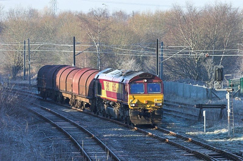 66205 Lostock Hall 7/2/2007<br /> 6N42 0755 Warrington Arpley-Blackburn