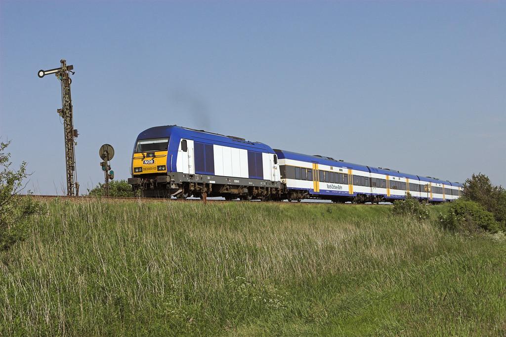 DE2000-02 Keitum 7/6/2007<br /> NOB80527 1622 Westerland-Hamburg Altona