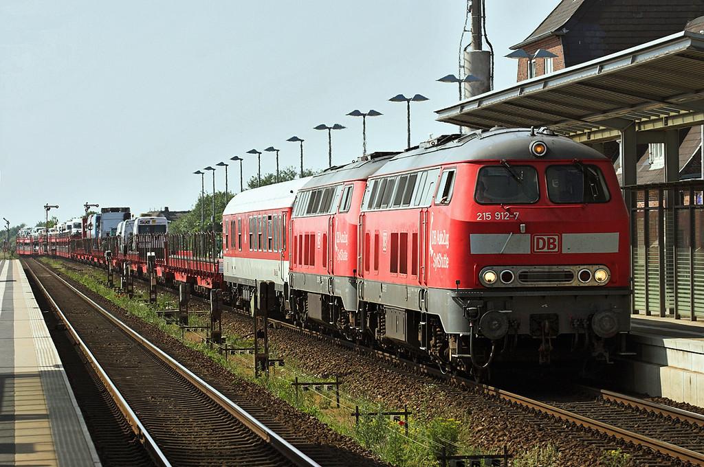 215912 and 215911, Keitum 7/6/2007<br /> AS77543 1535 Westerland-Niebüll