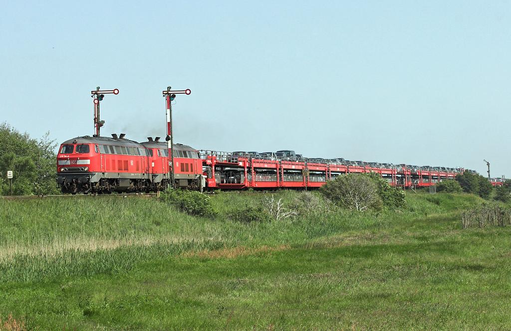 218181 and 218121, Keitum 7/6/2007<br /> AS77540 1510 Niebüll-Westerland