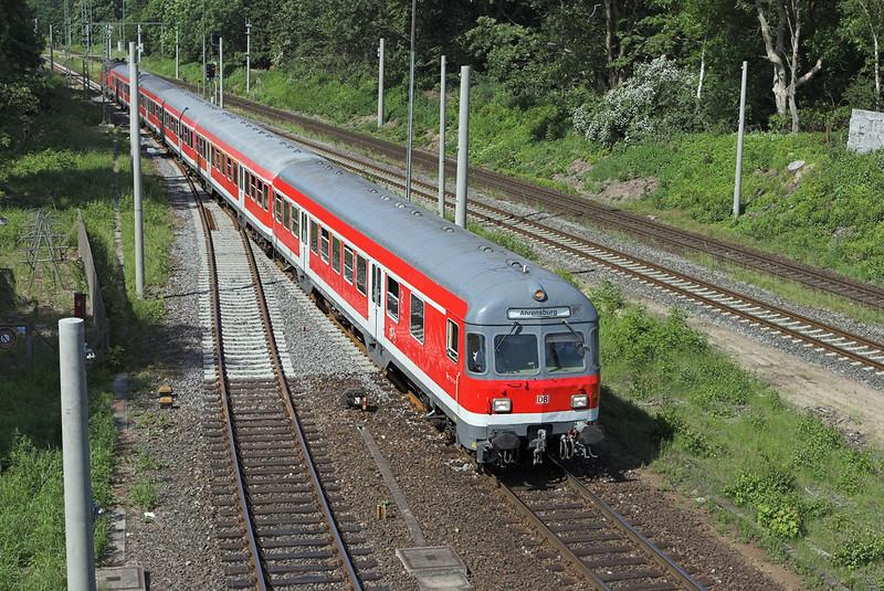 218104 (on rear), Ahrensburg 8/6/2007<br /> RB21362 1007 Hamburg Hbf-Ahrensburg