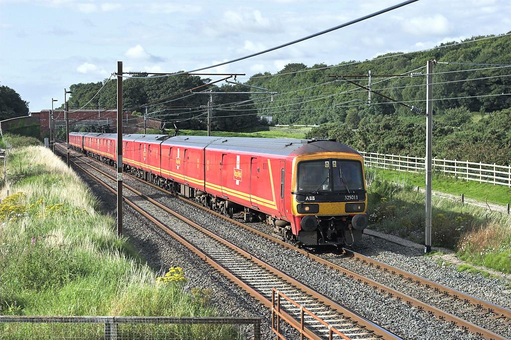 325011, 325007 and 325002, Woodacre 8/8/2007<br /> 1M44 1532 Sheildmuir-Warrington RMT