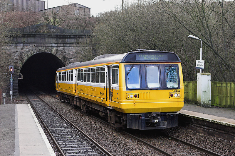142053 Oldham Werneth 10/1/2007<br /> 2J89 1226 Shaw and Crompton-Manchester Victoria