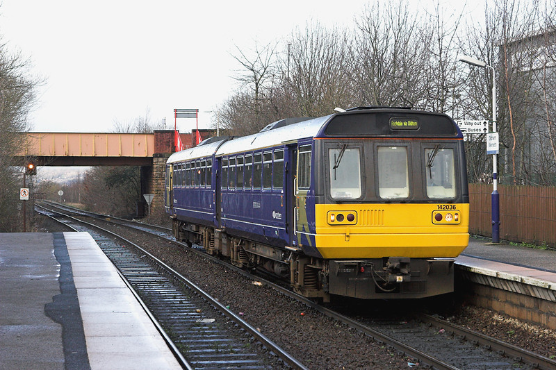 142036 Oldham Werneth 10/1/2007<br /> 2J92 1230 Manchester Victoria-Rochdale
