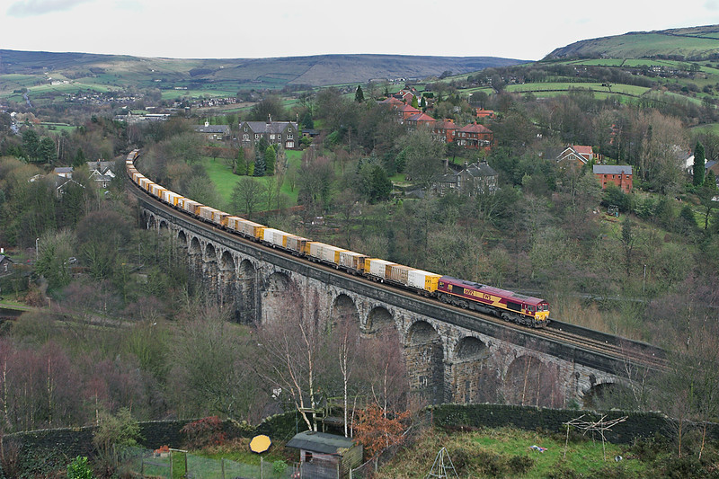 66192 Saddleworth Viaduct 10/1/2007<br /> 6M05 0930 Roxby Gullet-Northenden