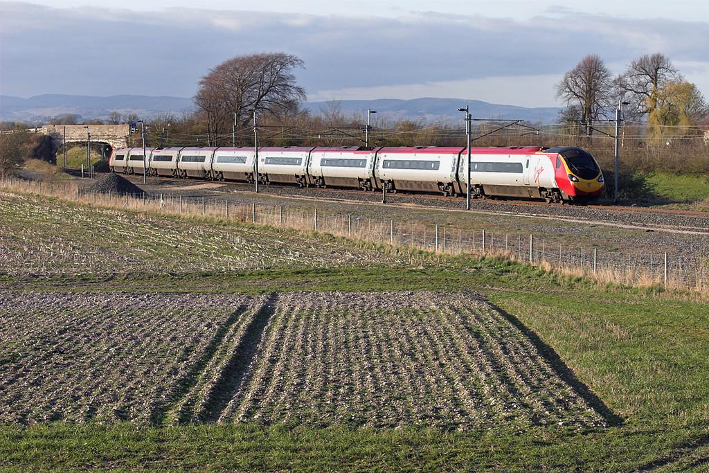 390041 Elmsfield 11/4/2007<br /> 1M18 1646 Glasgow Central-London Euston
