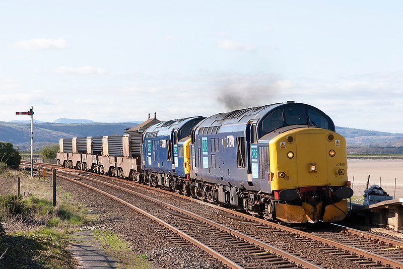 37510 and 37087, Arnside 11/4/2007<br /> 6K73 1535 Sellafield-Crewe CLS