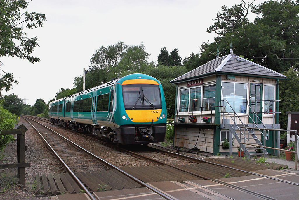170101 Fiskerton 11/7/2007<br /> 2E69 1435 Leicester-Lincoln Central