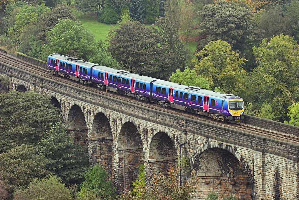 185102 Saddleworth Viaduct 11/10/2007<br /> 1P31 1015 Newcastle-Manchester Airport