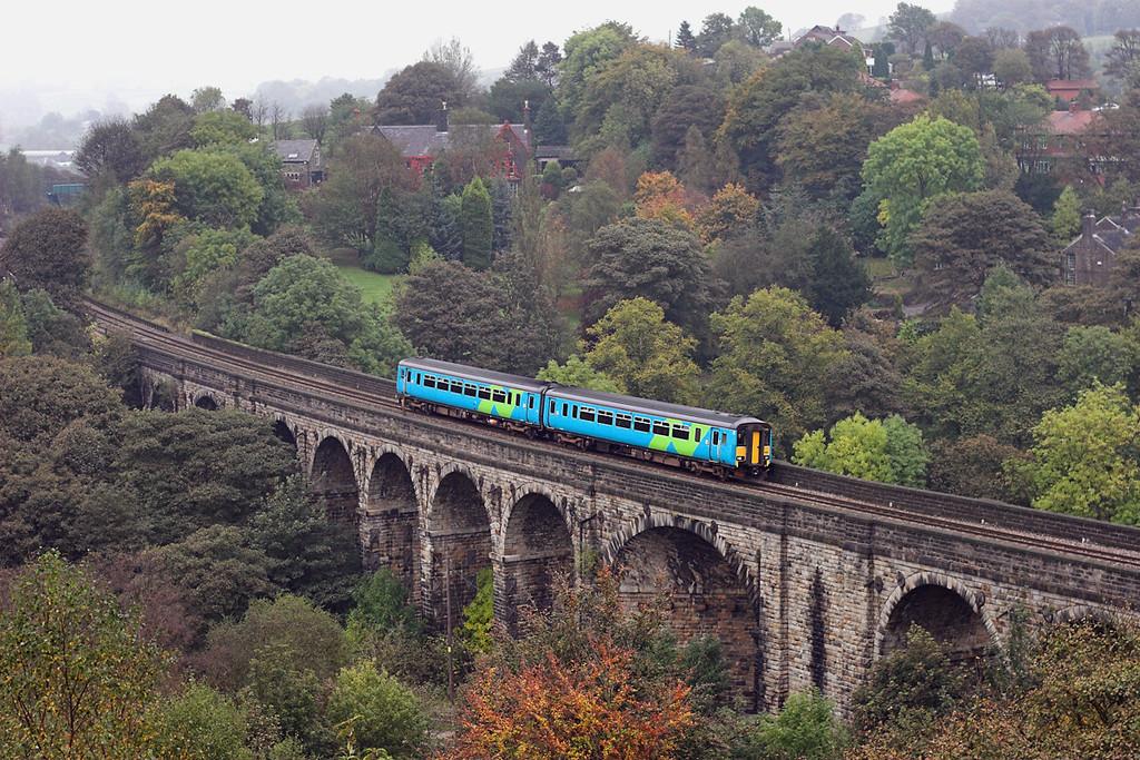 156488 Saddleworth Viaduct 11/10/2007<br /> 2M65 1132 Huddersfield-Manchester Victoria