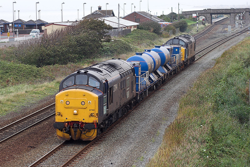 37194 and 37261, Abergele and Pensarn 12/10/2007<br /> 3J96 0849 Crewe Gresty Bridge-Crewe Gresty Bridge (via Holyhead)